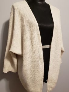 Brandy Melville  Ivory Wool Blend Shrug (one Size)